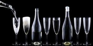 כוסות עם שמפניה